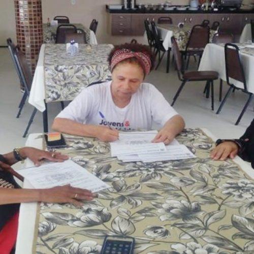 Vice-governadora recebe mulheres de movimentos femininos de Picos
