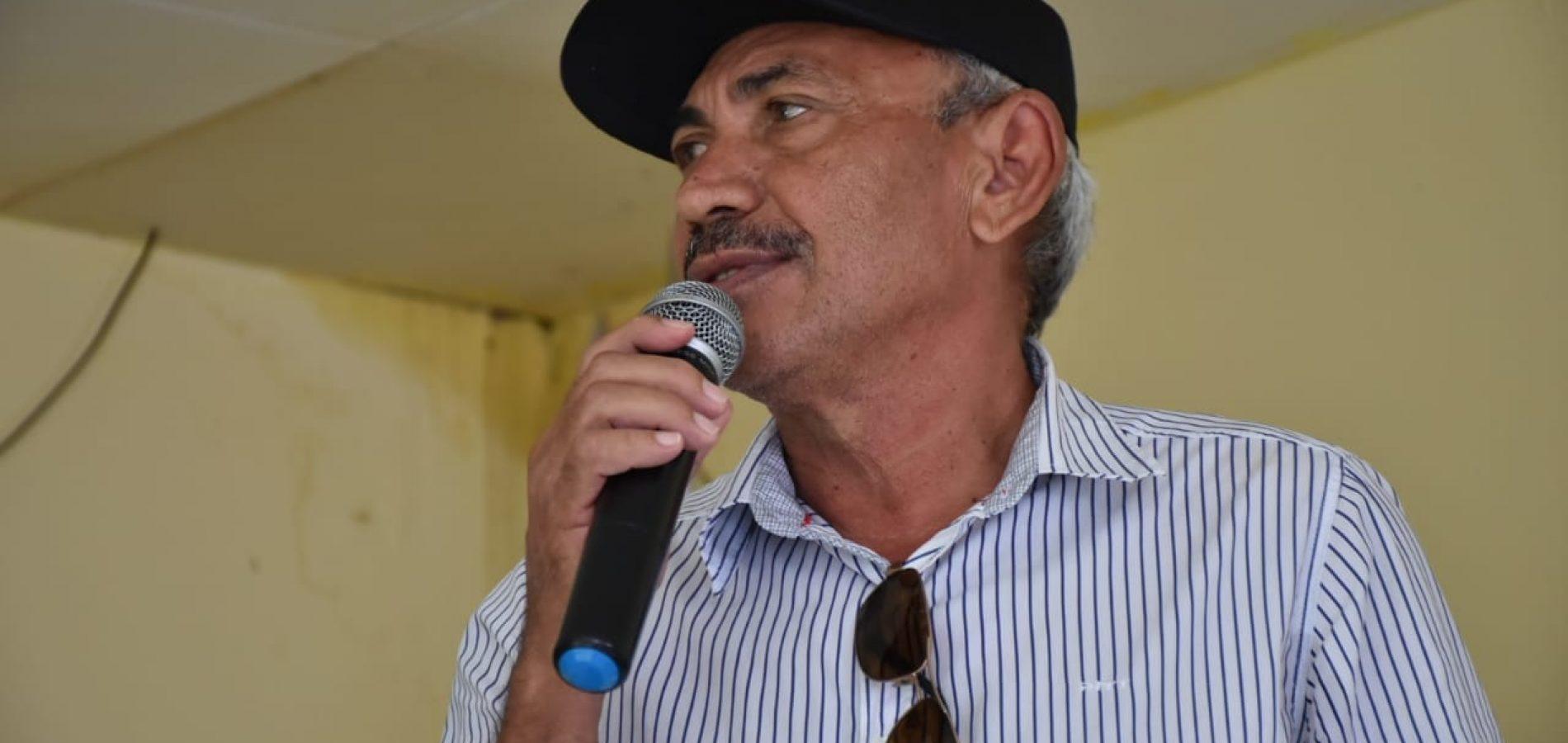 Adelino Oliveira apresenta dois requerimentos em sessão na Câmara de Vila Nova. Veja o que foi solicitado!