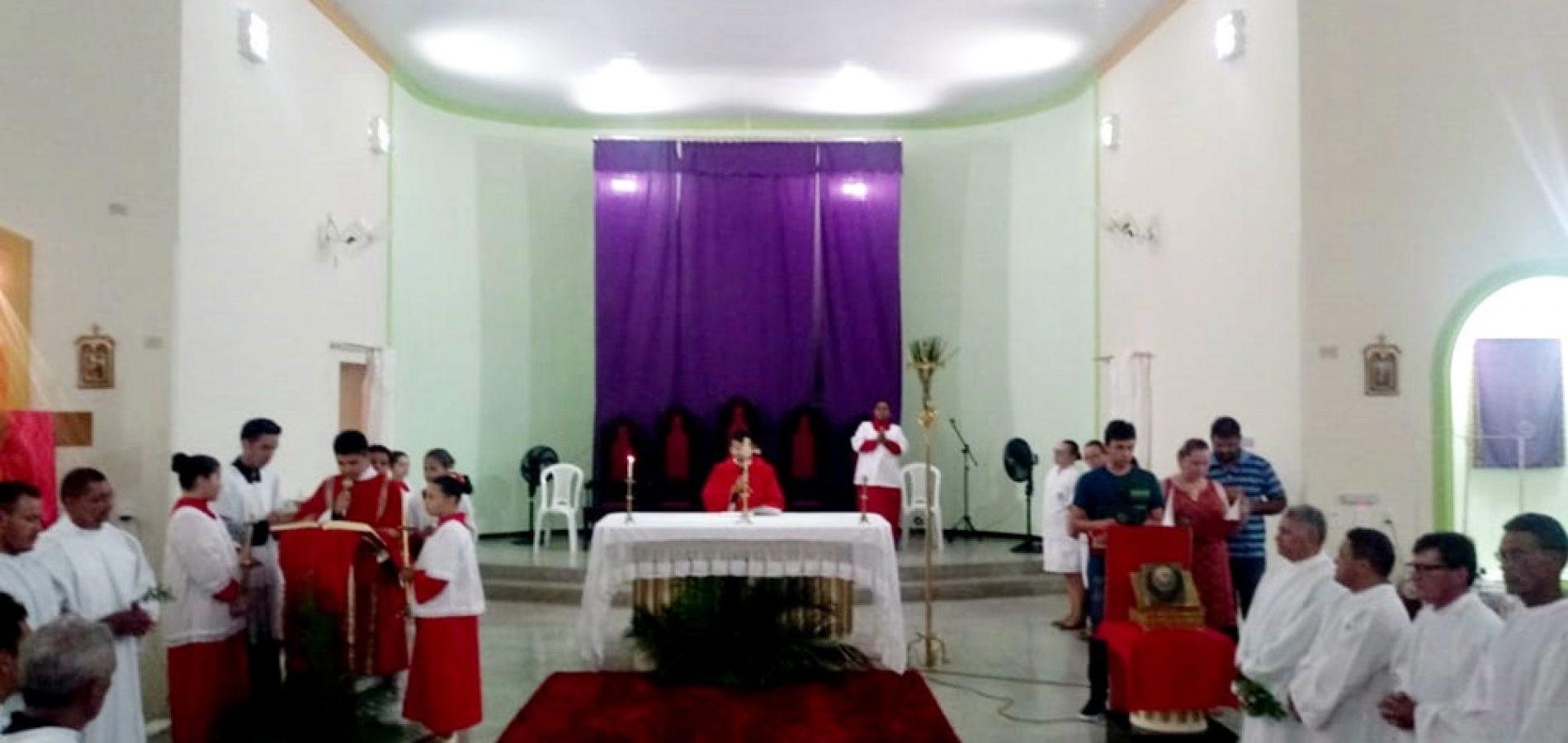 Missa de Domingo de Ramos é celebrada em Fronteiras; veja programação da Semana Santa