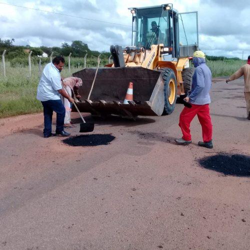 Prefeitura de Belém do Piauí realiza operação tapa buracos com asfalto na rodovia PI 243
