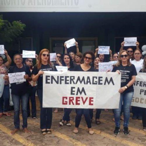 Enfermeiros do HRJL promovem manifestação em Picos; classe continua em greve