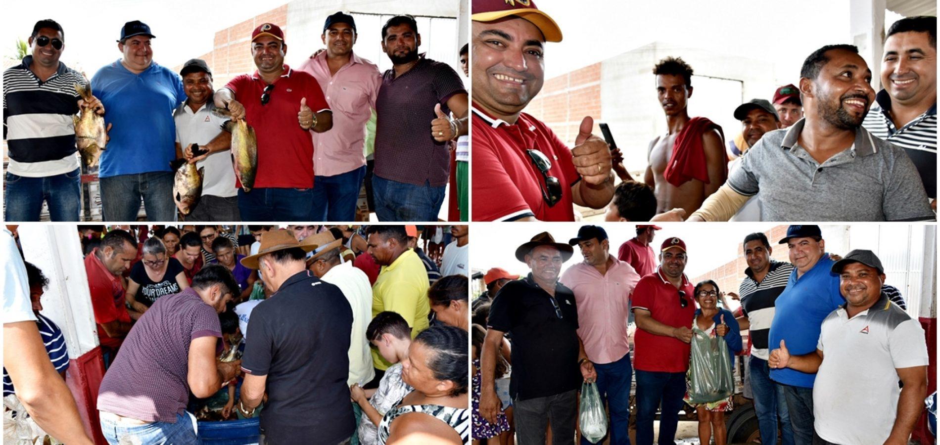 Prefeitura de Alegrete faz entrega de 2 toneladas de peixes para famílias carentes; fotos