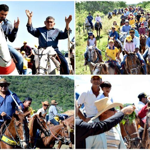 Cavalgada de Domingo de Ramos reúne mais de 150 cavaleiros e resgata cultura popular nordestina; fotos