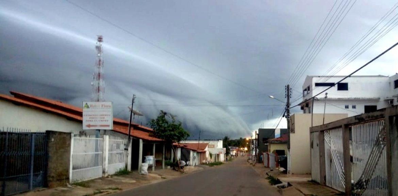 Internauta registra fenômeno atmosférico raro em cidade do Piauí