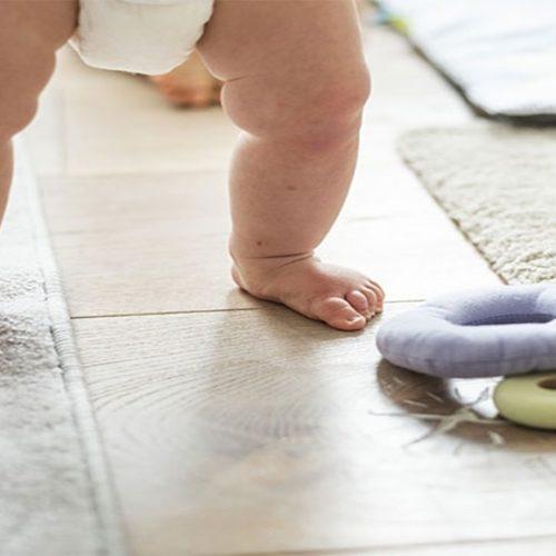 Como lidar com o intestino preso da criança durante o desfralde