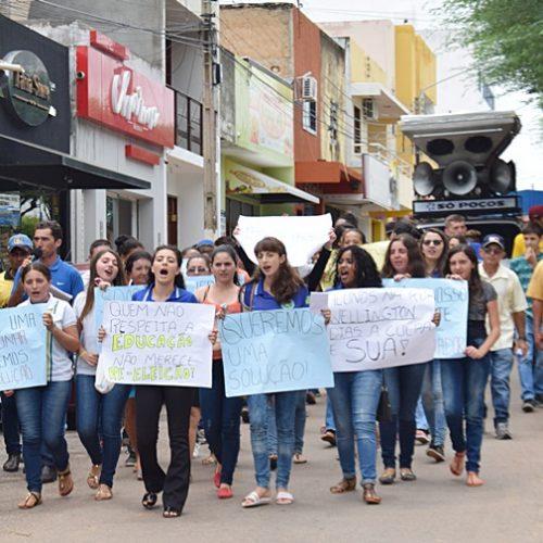 Após protesto, Ministério Público investiga falta de transporte escolar em Paulistana e Queimada Nova e dá prazo para a Seduc