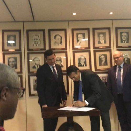 Ministro Moro empossa piauiense em Conselho Nacional