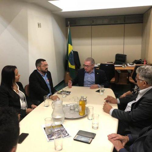 Pe. Walmir Lima participa de Marcha dos Prefeitos e se reúne com deputado Assis Carvalho