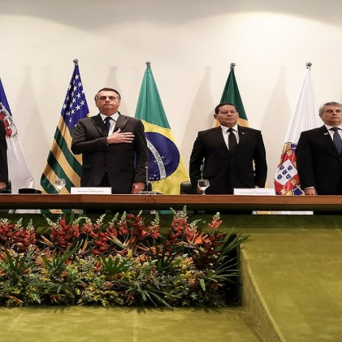 Bolsonaro pede que novos diplomatas trabalhem por um Brasil aberto