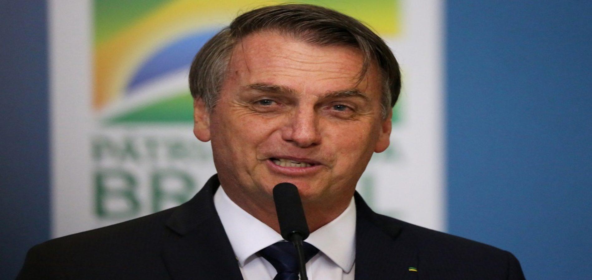"""Bolsonaro diz que para """"virar"""" nordestino só falta """"crescer a cabeça"""""""