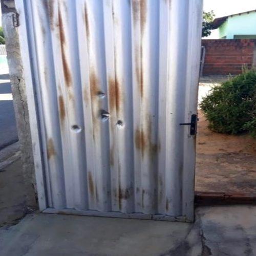 Casa de secretária de Educação é alvo de vários disparos em cidade do Piauí