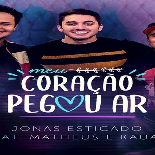 """Jonas Esticado lança música """"Meu Coração Pegou Ar"""" com Matheus e Kauan"""