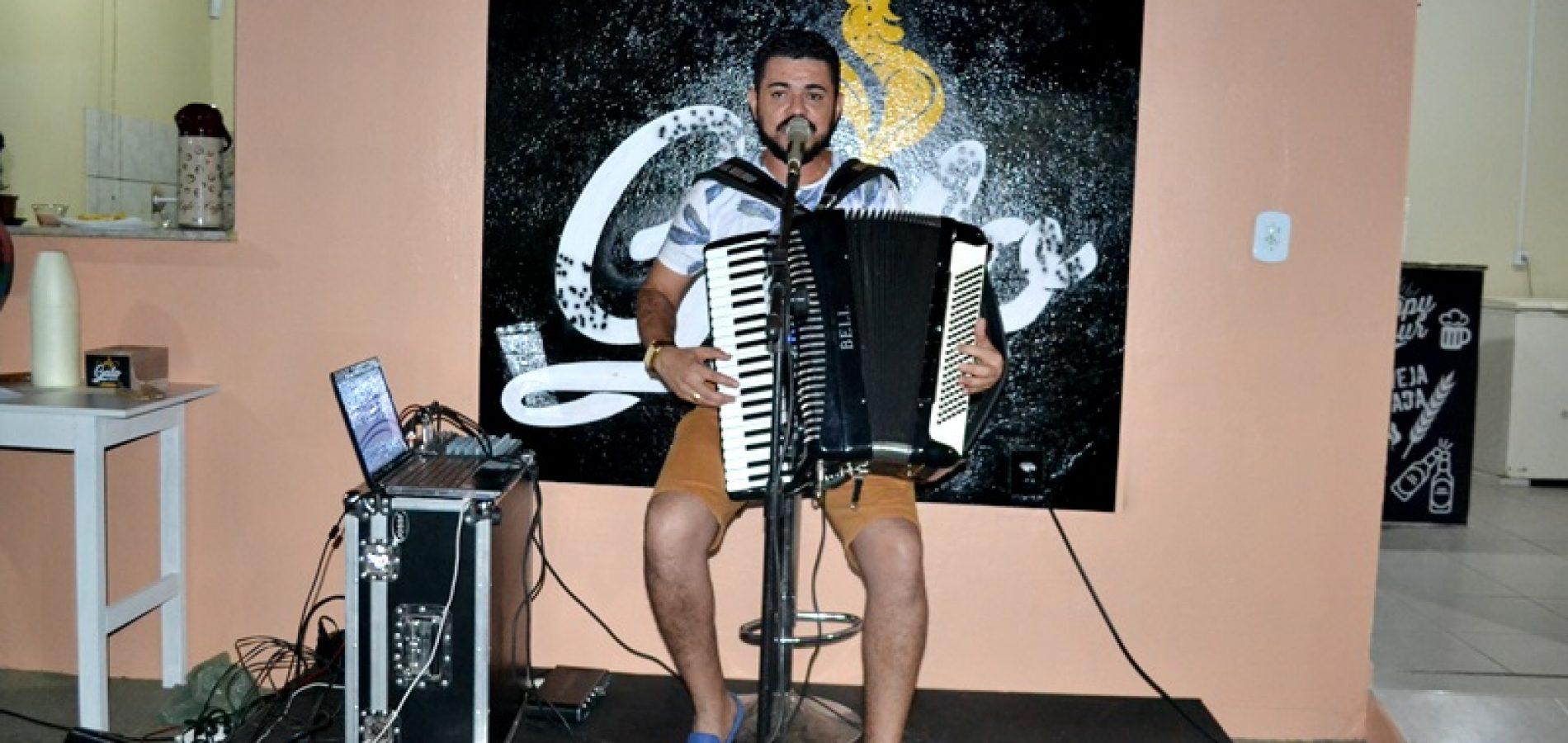 JAICÓS | Veja fotos do show com Isael Veloso no Galo Beer