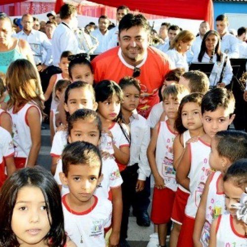 Na contramão da crise, prefeito de Alegrete do Piauí anuncia reajuste salarial de Professores, ACS e ACE