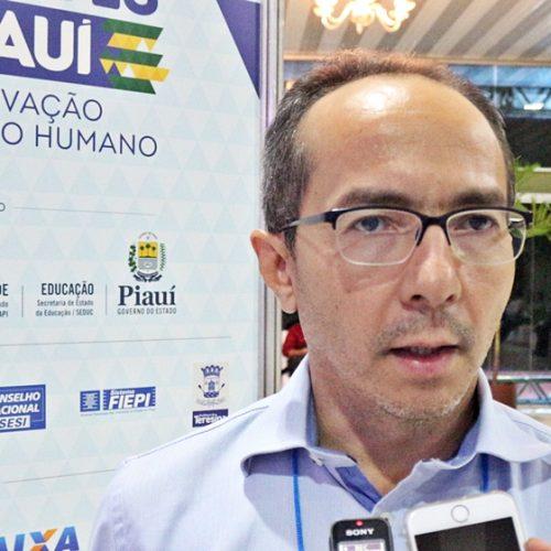 Em busca de inovações, prefeito de Isaías Coelho participa do II Congresso das Cidades do PI