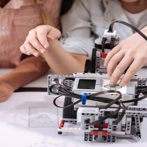 Professores inspiram o estudo da robótica no interior do Piauí