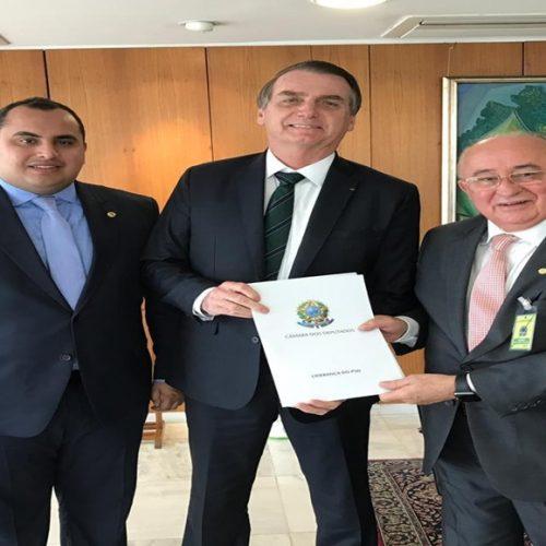 Reunião da bancada do Nordeste e Bolsonaro: Júlio César abre discurso
