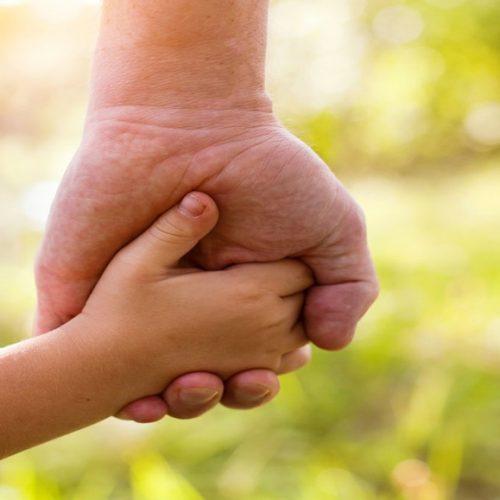 No Piauí, mais de 70 crianças e adolescentes esperam por adoção