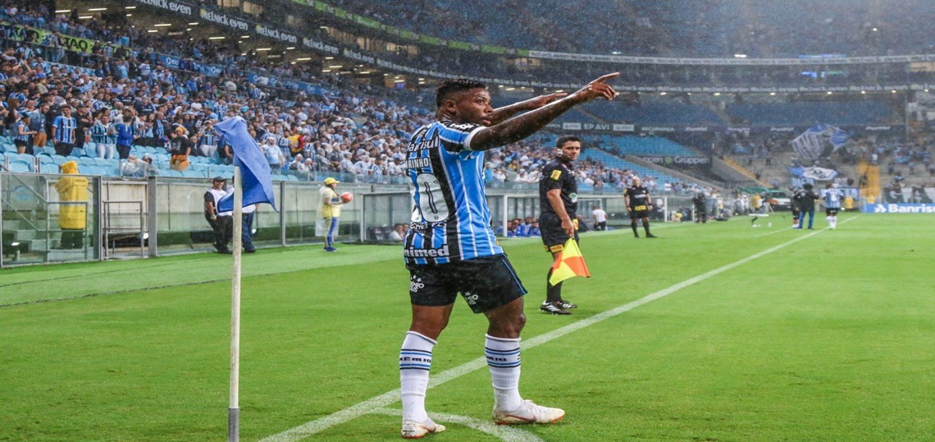 Marinho vestiu a 10 na base do Santos e volta a ao clube após 12 anos