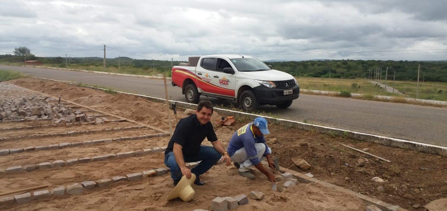 PADRE MARCOS   Obras de 2 mil metros de pavimentação poliédrica seguem em ritmo acelerado