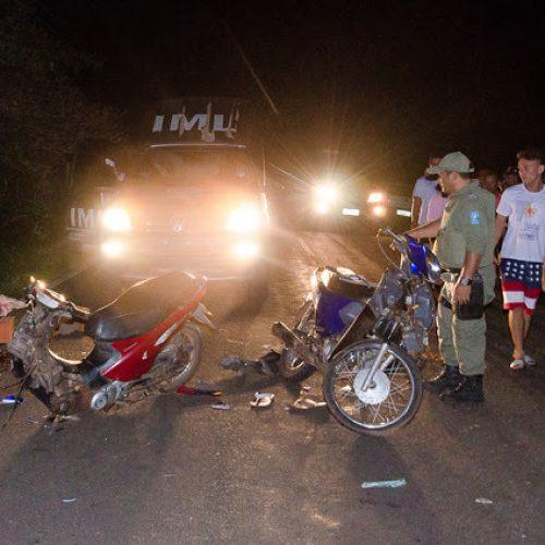 Colisão frontal entre motos deixa dois mortos e um ferido  na PI-379