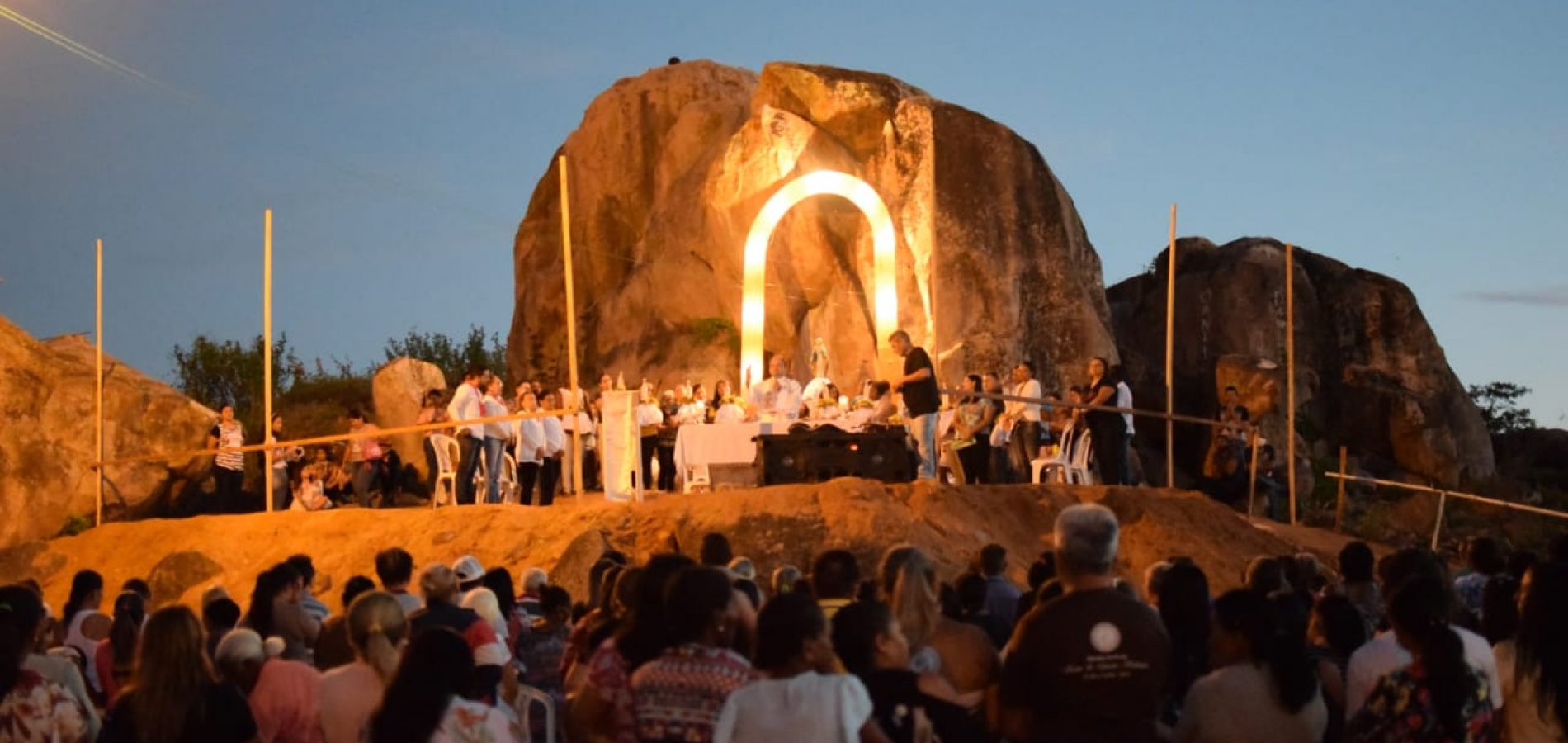 PADRE MARCOS | Missa encerra o Mês Mariano e abre os festejos de Santo Antônio