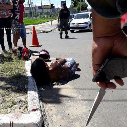 Casal faz assaltos em parada de ônibus e na fuga sofre acidente em Teresina