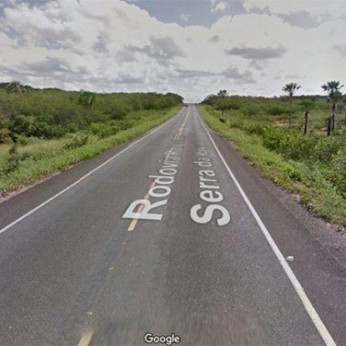 Ônibus que levava piauienses para concurso se envolve em acidente no Ceará