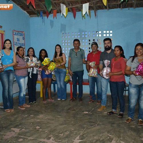 Prefeitura de Simões realiza evento em comemoração ao dia das mães na comunidade Serra do Azulão