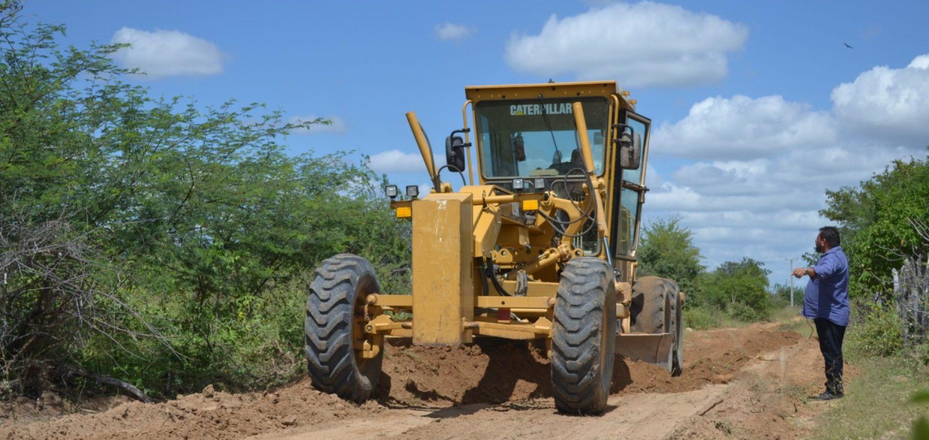 BELÉM   Prefeitura trabalha na recuperação de estradas vicinais e melhora trafegabilidade