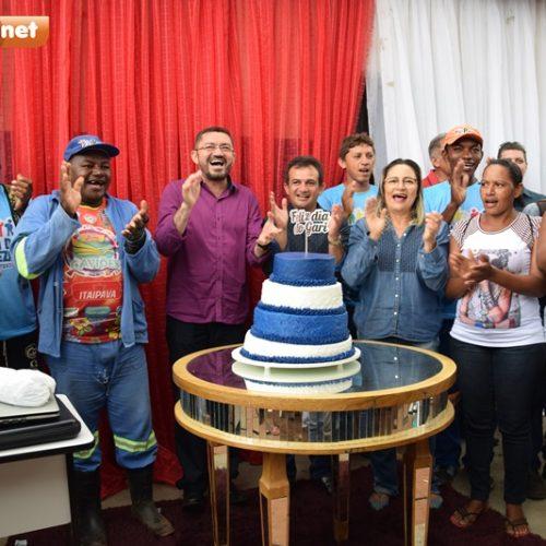 PICOS   Prefeito e Secretário de Limpeza comemoram aniversário com servidores no Dia do Gari
