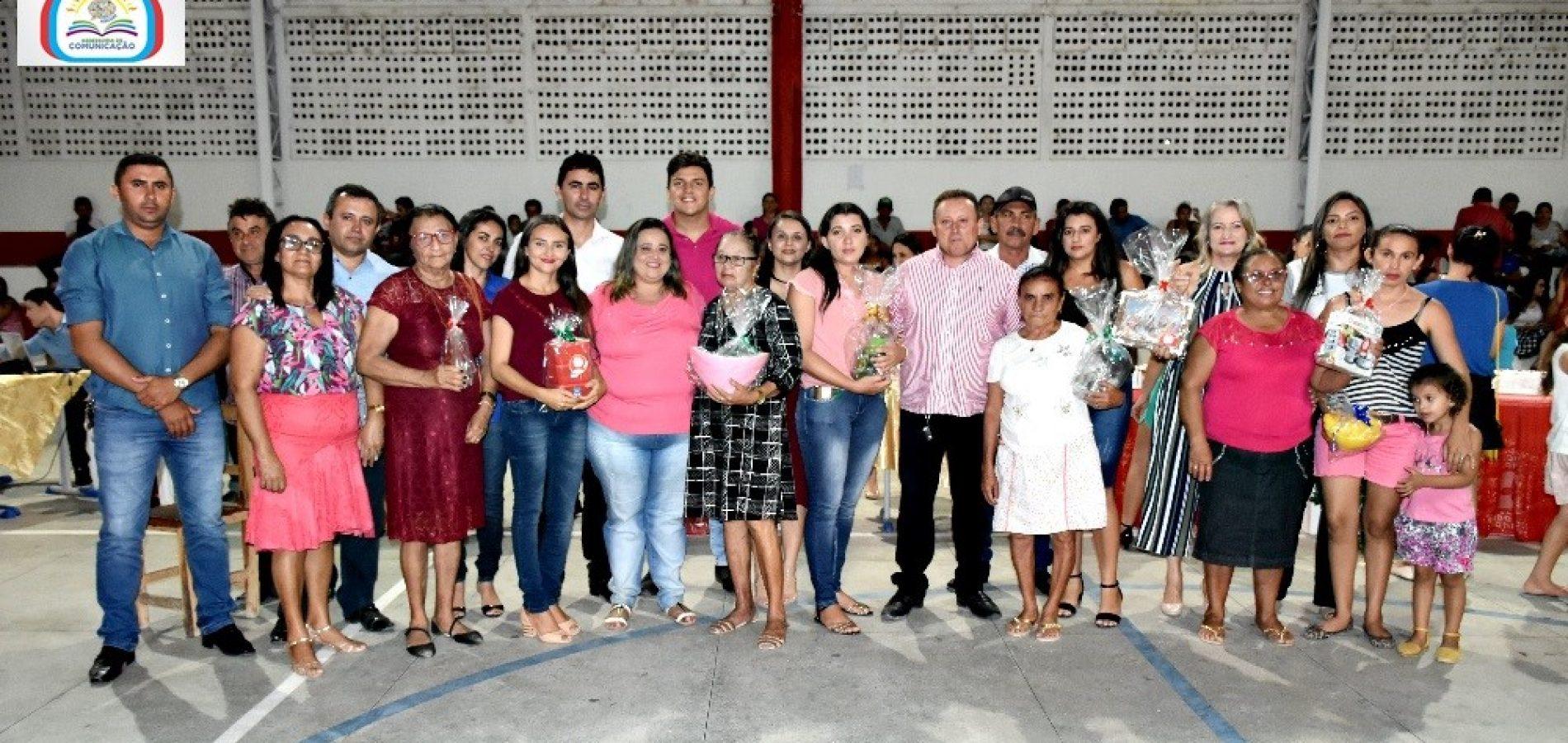 Em Vila Nova, gestão do prefeito Edilson Brito promove comemoração ao Dia das Mães nesta quinta (16)