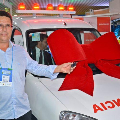 Caldeirão Grande ganha ambulância no Congresso das Cidades do Piauí