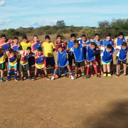 SANTANA DO PI: Escolinha de futebol fez primeiro treino no Cajazeiras; Veja