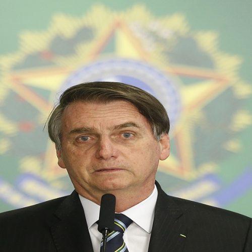 'Não doem dinheiro pra ONG', diz presidente Jair Bolsonaro