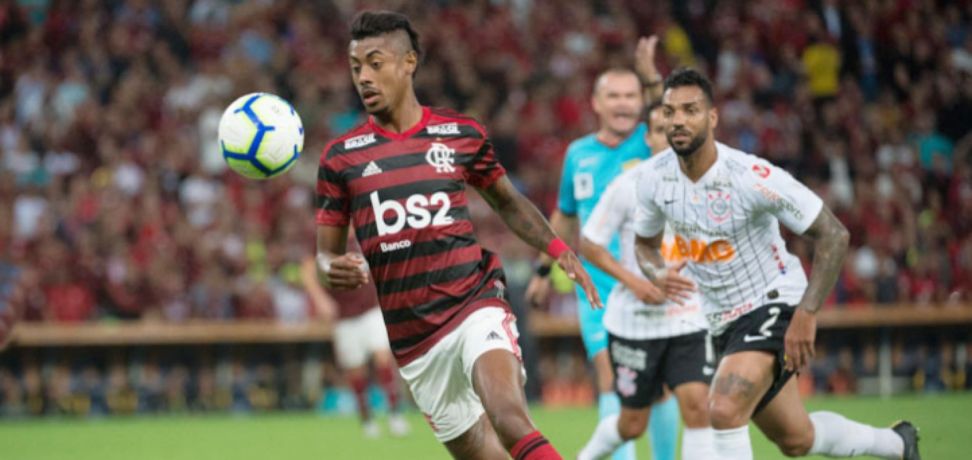 Com auxílio do VAR, Flamengo bate Corinthians de novo e avança na Copa do Brasil