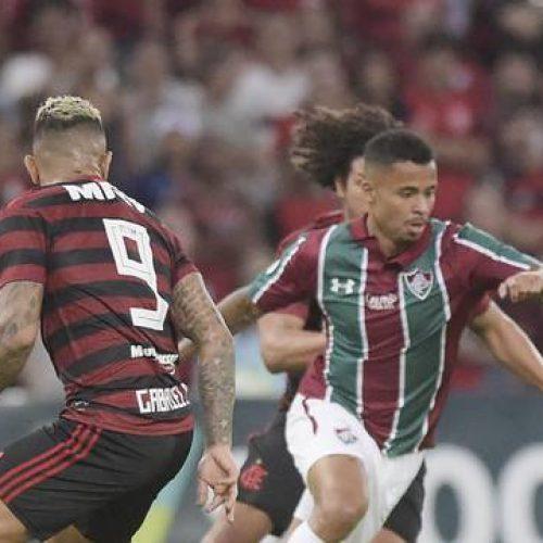 Fluminense e Flamengo fazem clássico movimentado, mas ficam no 0 a 0 no Maracanã