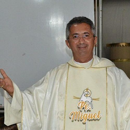 JAICÓS | Padre Miguel realiza novo exame para Covid-19 e resultado dá negativo