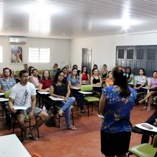 Secretaria de Educação de Inhuma promove reunião com classificados do Programa Novo Mais Educação