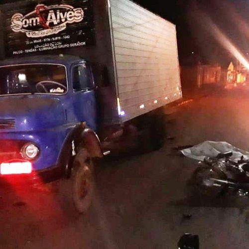 Colisão entre motocicleta e caminhão deixa duas pessoas mortas no Sul do Piauí