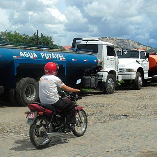 Estado fará operação carro-pipa em 28 municípios do Piauí; veja lista!