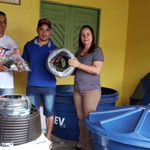 Agricultura de Santana do Piauí entrega kits de irrigação para produtores locais