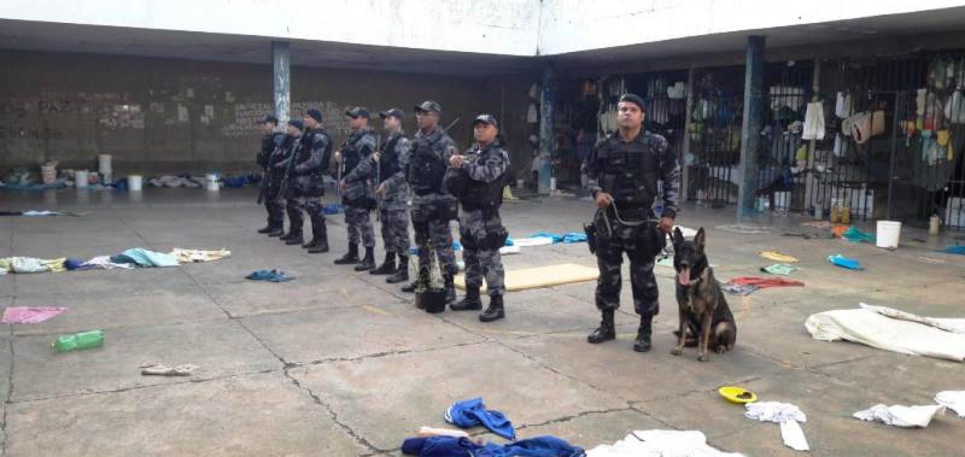 PM e agentes da Sejus encontram drogas e armas perfurantes na Penitenciária de Picos