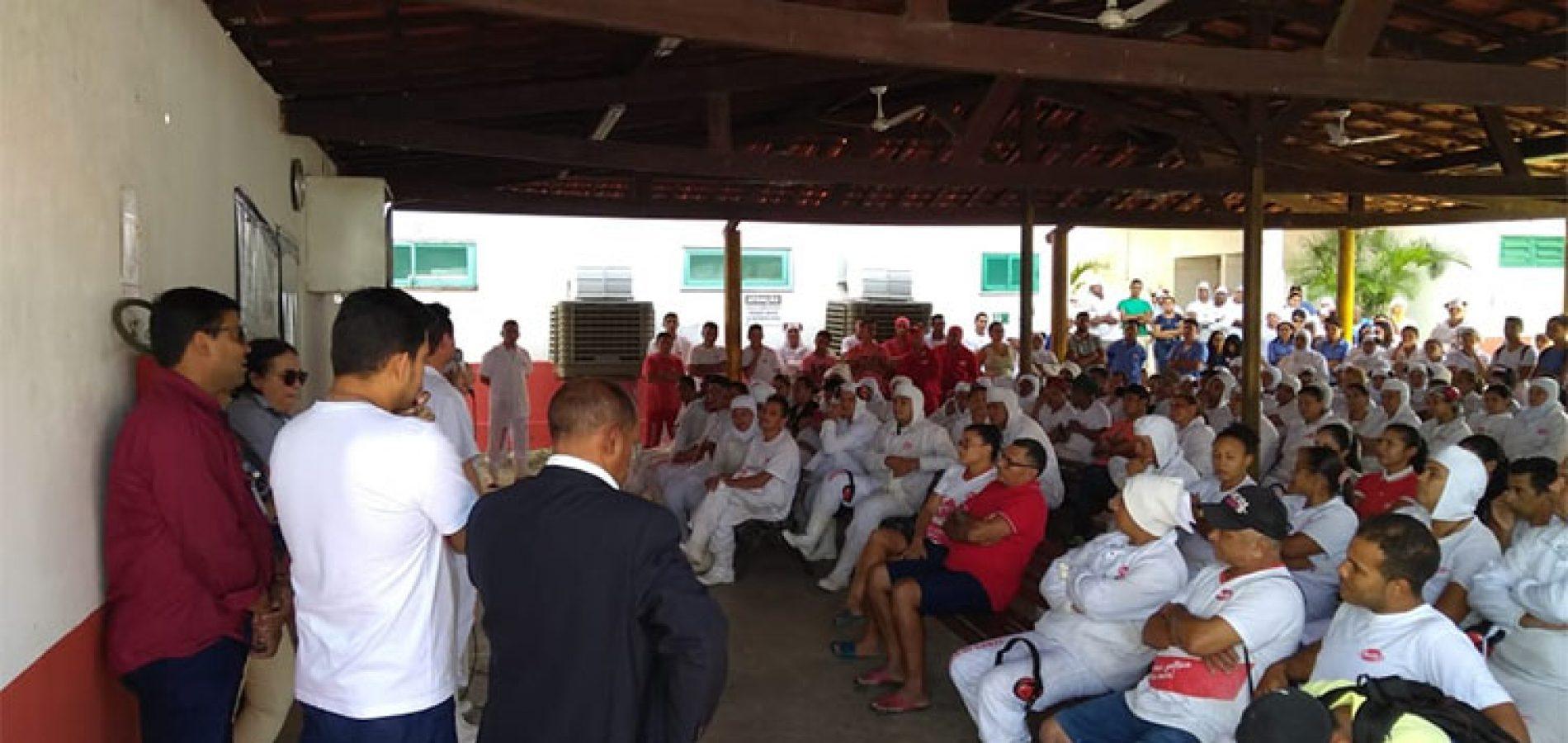 Empresa que abate frangos demite 400 funcionários e fecha unidade no Piauí