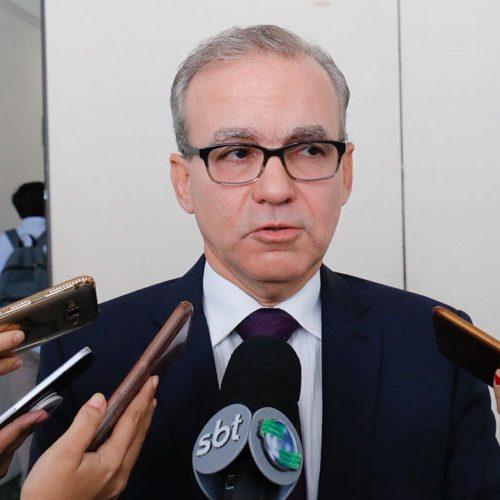 Firmino diz que governo Bolsonaro faz estratégia política com Previdência