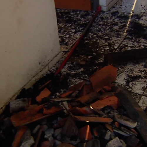 Casa com ligação clandestina fica destruída após sofrer incendio no Piauí