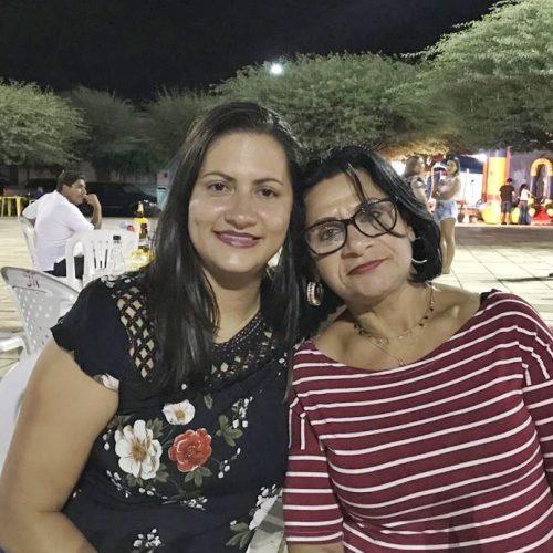 Após 34 anos separadas, mãe e filha se reencontram em Simões; veja a história