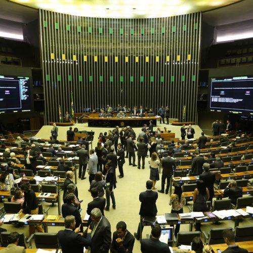 Deputados aprovaram 25 requerimentos na sessão plenária de hoje