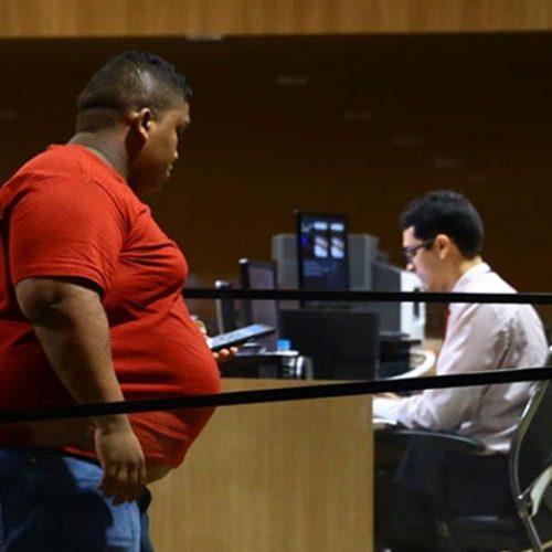 Advogado apresenta atestado e adia júri de réu em morte do cabo do Bope
