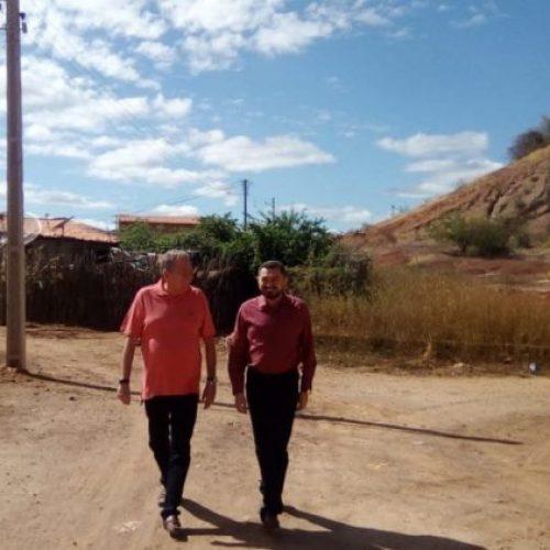 Prefeito e Secretário de Saúde realizam visita técnica nas obras em andamento em Picos